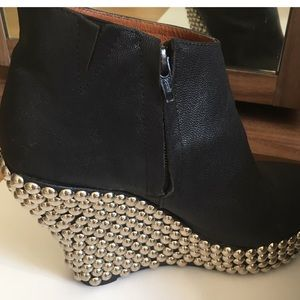 Jeffery Campbell closes toe boots